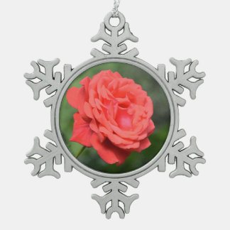 Single red rose pewter snowflake decoration
