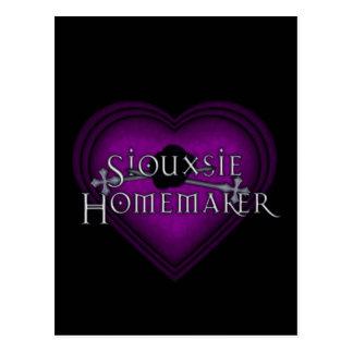 Siouxsie Homemaker Knitting (Violet) Postcard