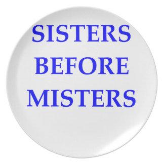 SISTERS DINNER PLATES