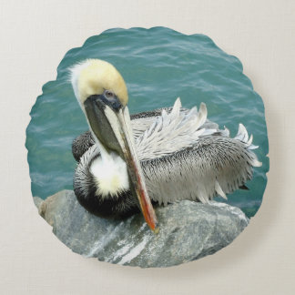 Sitting Pelican Round Cushion