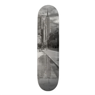 Skateboard - Empire State Building, New York City