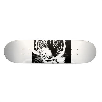 Skateboard with black and white print Tiger
