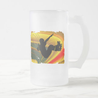 Skateboarding Silhouette in the Bowl 16 Oz Frosted Glass Beer Mug
