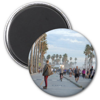 skating to venice beach 6 cm round magnet