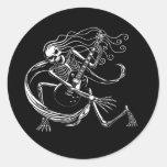 Skeleton Guitarist -crouch Classic Round Sticker