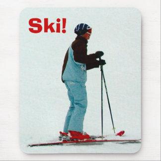 Ski! Mouse Pad