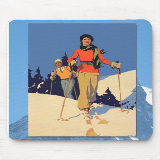 Skiing -On the piste Mousepads