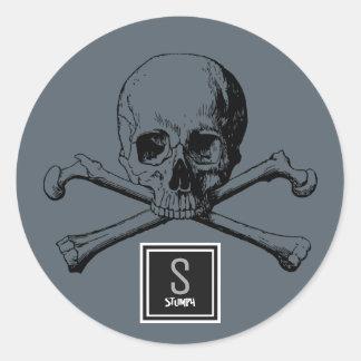 skull and boneS Round Sticker