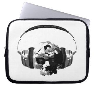 skull headphones laptop sleeve