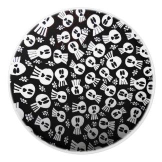 Skulls-ceramic pull to drawer