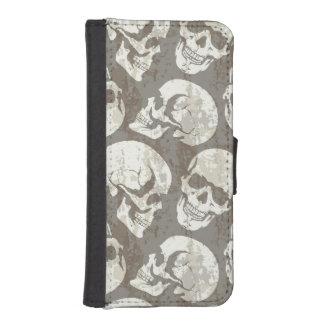 Skulls iPhone SE/5/5s Wallet Case
