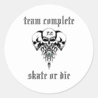 Skullz, team complete, skate or die classic round sticker