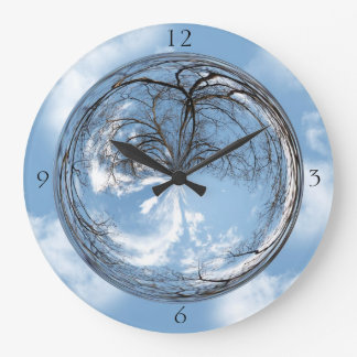 Sky and tree in bubble clock