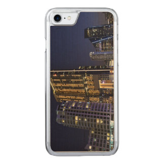 Skyscrapers in Dubai Marina at night Carved iPhone 8/7 Case