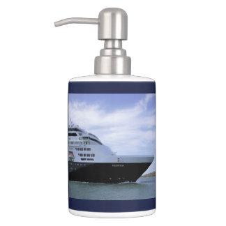 Sleek Cruise Ship Bow Bath Accessory Sets