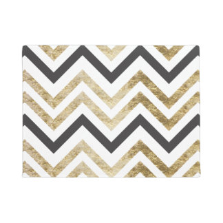 Sleek golden glitter black chevron pattern doormat