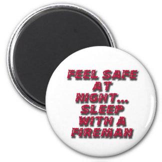 sleep with a fireman 6 cm round magnet