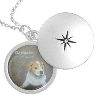 Sloeberke medallion round locket necklace