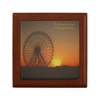 SMALL GIFT BOX (Ferris Wheel at Sunrise)
