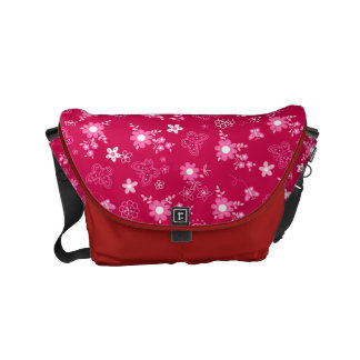 Small pink flowers commuter bag