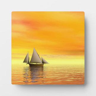 Small sailboat - 3D render Plaque