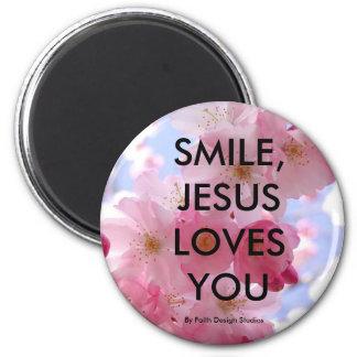 SMILE, JESUS LOVES YOU,. 6 CM ROUND MAGNET