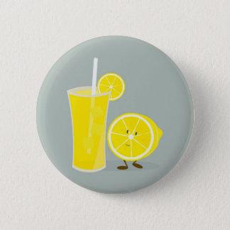 Smiling lemon with lemonade 6 cm round badge