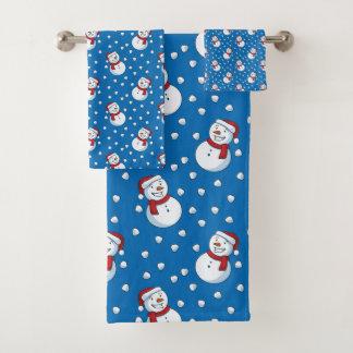 Smiling Snowmen In The Falling Snow Bath Towel Set