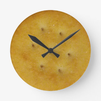 Snack Cracker Round Clock