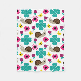 Snail & Clover seamless pattern (ver.4) Fleece Blanket