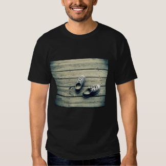 Sneaker In Men's T-Shirt