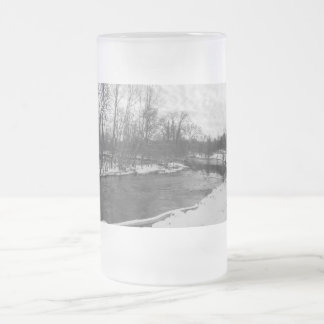Snow Beauty James River Grayscale Frosted Glass Beer Mug