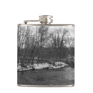Snow Beauty James River Grayscale Hip Flask