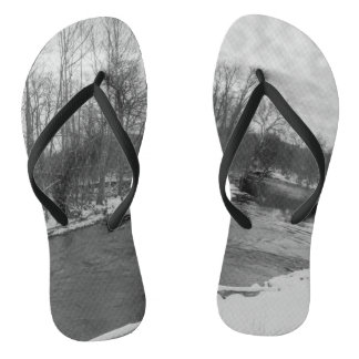 Snow Beauty James River Grayscale Thongs