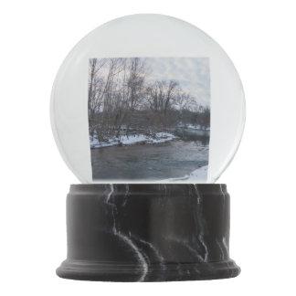 Snow Beauty James River Snow Globes