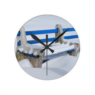 Snow Bench Round Clock