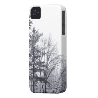 Snow-covered Trees: Vertical Case-Mate iPhone 4 Case