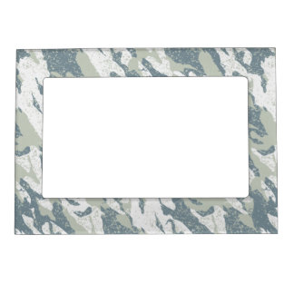 Snow disruptive camouflage magnetic picture frame
