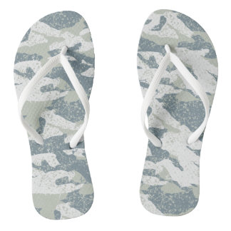 Snow disruptive camouflage thongs