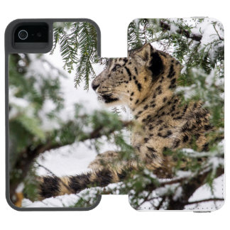 Snow Leopard Under Snowy Bush Incipio Watson™ iPhone 5 Wallet Case