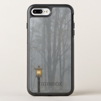Snow Scene with Glowing Old Street Lamp OtterBox Symmetry iPhone 7 Plus Case