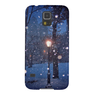Snow Swirling Around A Streetlamp Cases For Galaxy S5