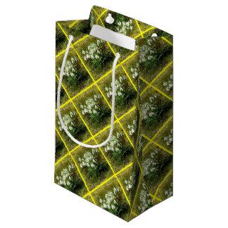 Snowdrops 02.2 (Schneegloeckchen) Small Gift Bag