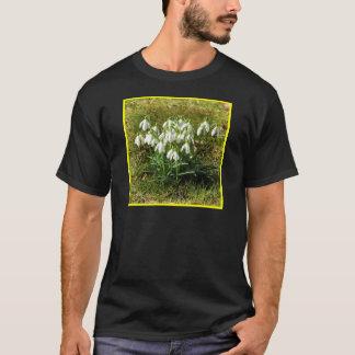 Snowdrops 02.2 (Schneegloeckchen) T-Shirt
