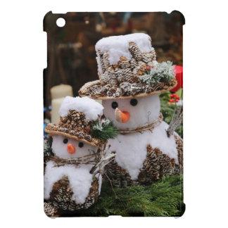 Snowmen Wearing Pinecone Hat Case For The iPad Mini