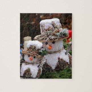 Snowmen Wearing Pinecone Hat Puzzle