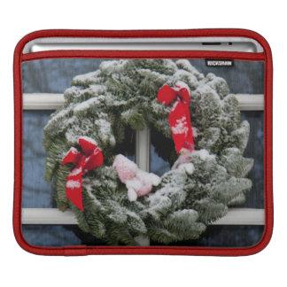 Snowy christmas wreath iPad sleeve