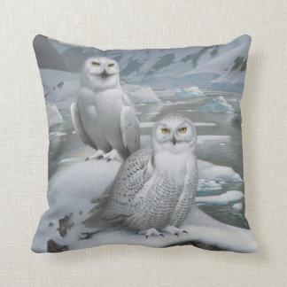 Snowy owl Pillow