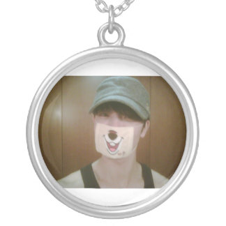 So cool round pendant necklace