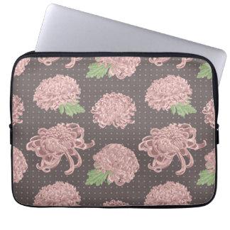 Soft Pink Chrysantemum Seamless Pattern Laptop Sleeve